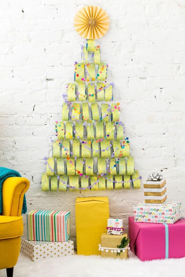 un brad de hartie A paper Christmas tree 7