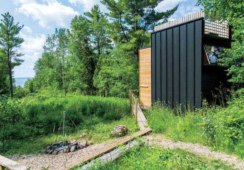 Cabana ecologica din padure