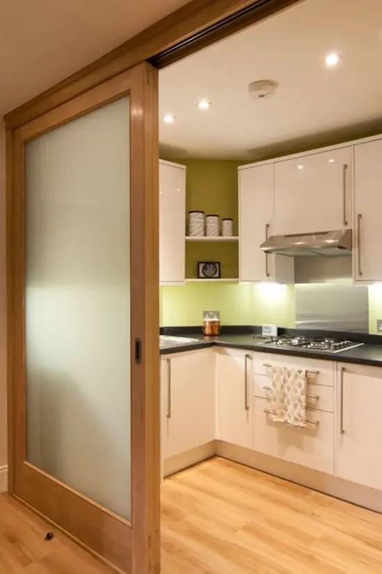 Usi glisante pentru bucatarie debara si balcon 17 for Decoracion cocinas integradas
