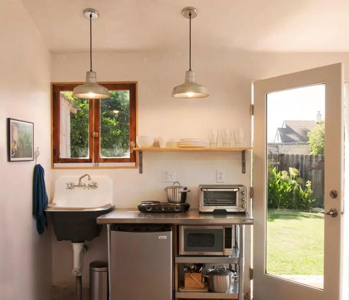case facute din garaje Garages converted into homes 11