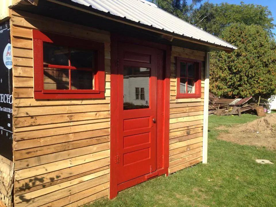 case construite din paleti Wood pallet houses 11
