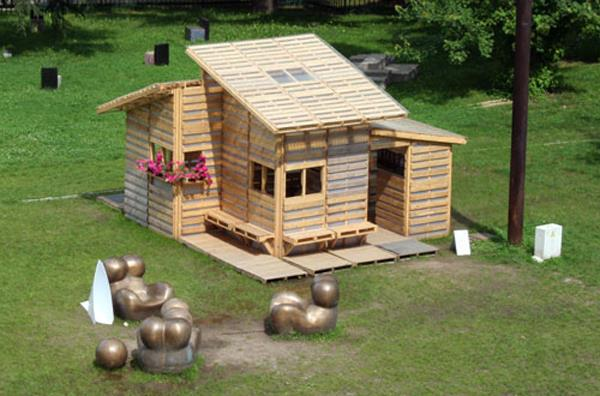 case construite din paleti Wood pallet houses 16