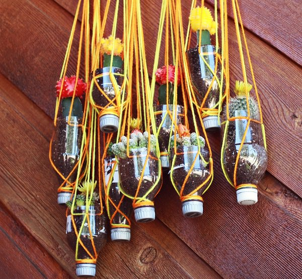 gradini verticale din peturi Plastic bottle vertical garden ideas 5