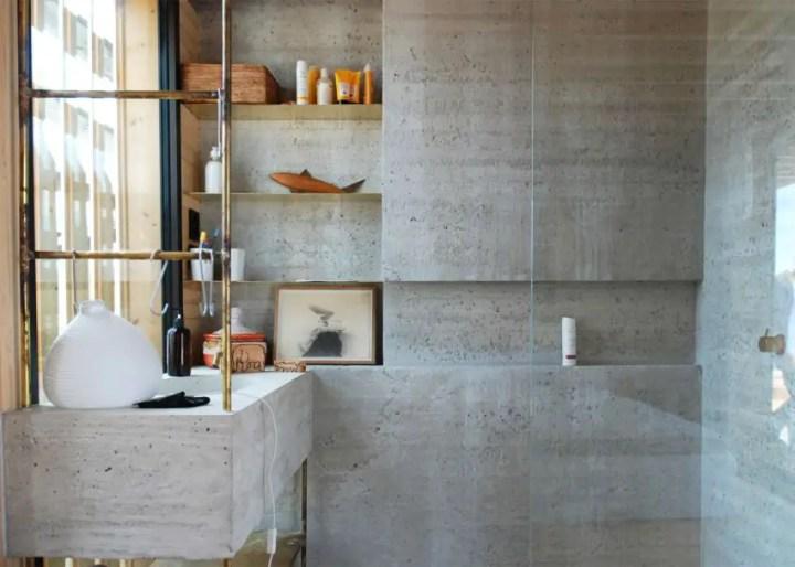 Design contemporan - ciment, sticla si lemn