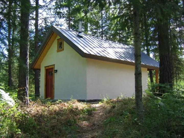 Modele de case din baloti - solutii ideale si pentru case de vacanta