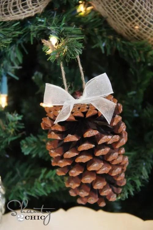 decoratiuni de iarna din conuri de brad ornament funda