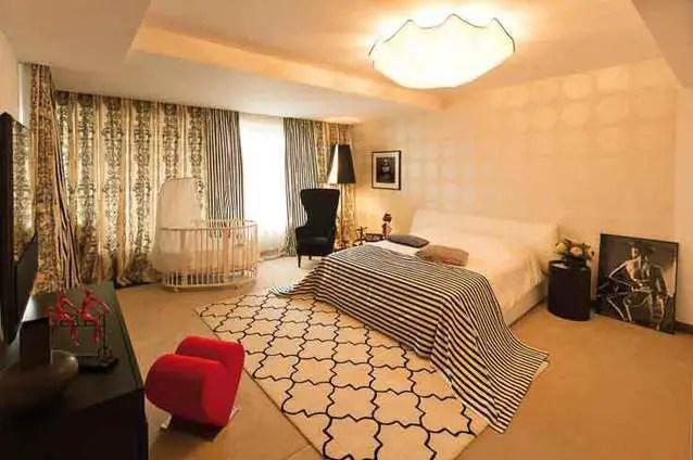casa cameliei sucu dormitor 2