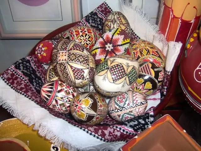 cele mai frumoase motive populare romanesti oua