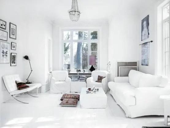casa in stil scandinav living alb ferestre mari