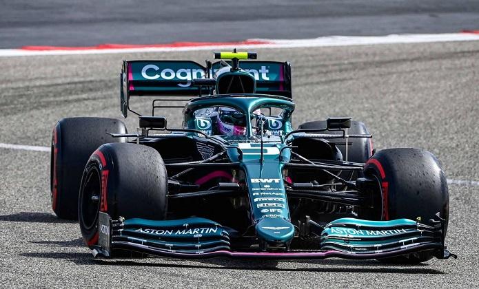 Vettel alla guida dell'Aston Martin