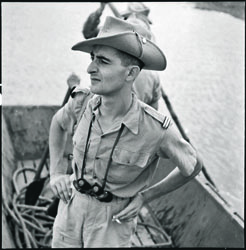 30 avril 1951. Le lieutenant Bernard de Lattre de Tassigny, du 1er régiment de chasseurs, fils du général.