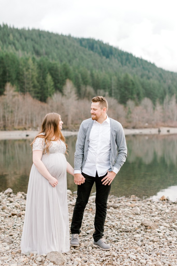 Rattlesnake Lake Maternity Session | Cassandra Shiree Photography