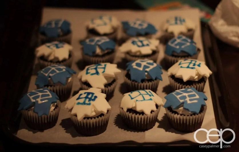 Toronto Maple Leafs cupcakes made by Valeria Rivera