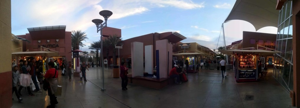 Other buildings in the Las Vegas Premium Outlets North