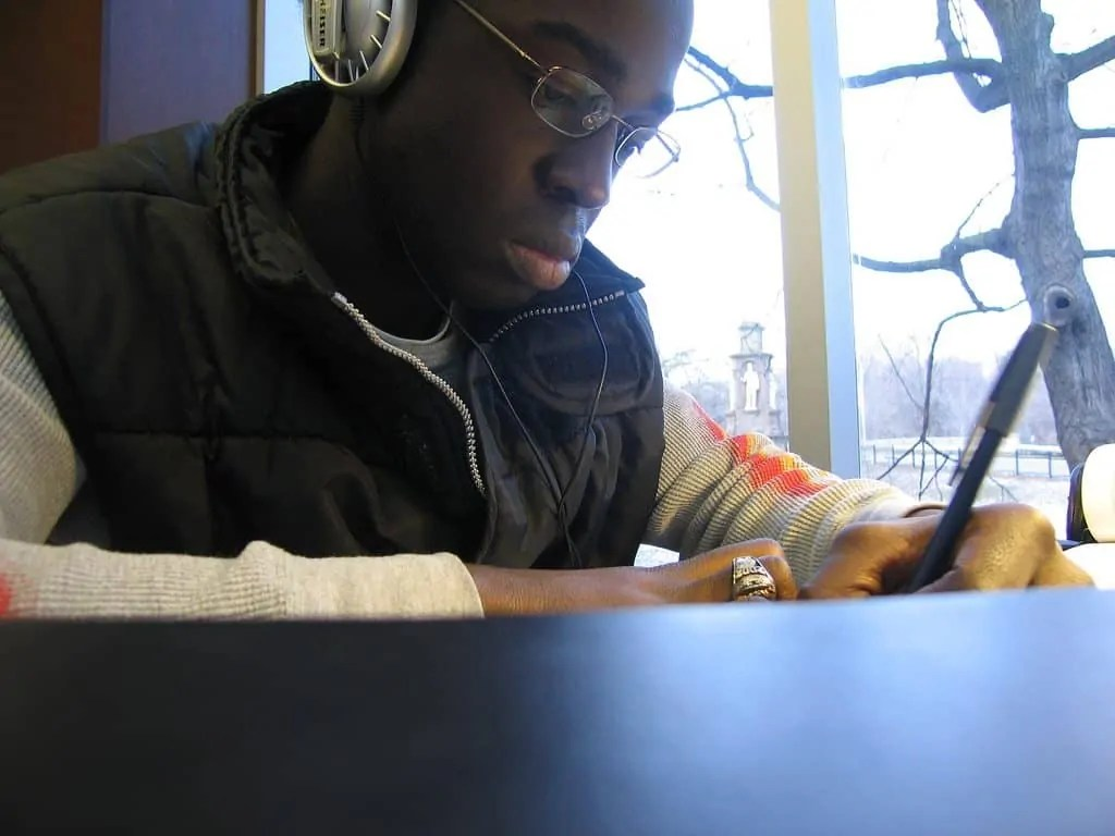Me in 2005 at Robarts Library. What you CAN'T see? My afro!