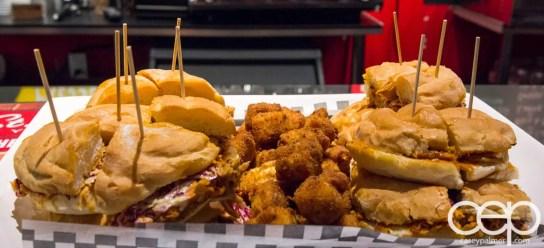#BramptonTweetup — Sul Irmaos Smoke House — Pulled Pork Sandwiches and Mac n Cheese Bites