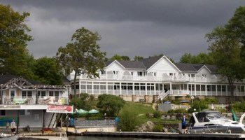 Viamede Resort & Dining — Boat Cruise — A Cloudy Day at Viamede