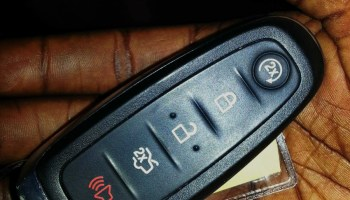 2011 Ford Edge Select with All-Wheel Drive — Car Keys
