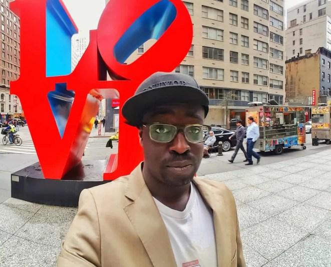 Casey Palmer x Swiffer Present — 36 Hours in NYC — Casey Palmer and the NYC Love Sculpture at 6th Avenue and W 55th St
