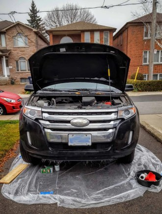 Quaker State's Quest to Build a Better Grown-Up! — Getting the 2011 Ford Edge Ready for an Oil Change