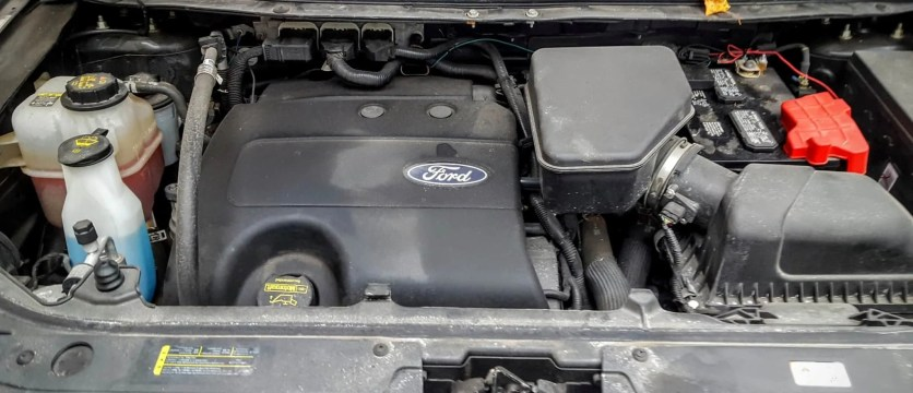 Quaker State's Quest to Build a Better Grown-Up! — The 2011 Ford Edge, Under the Hood