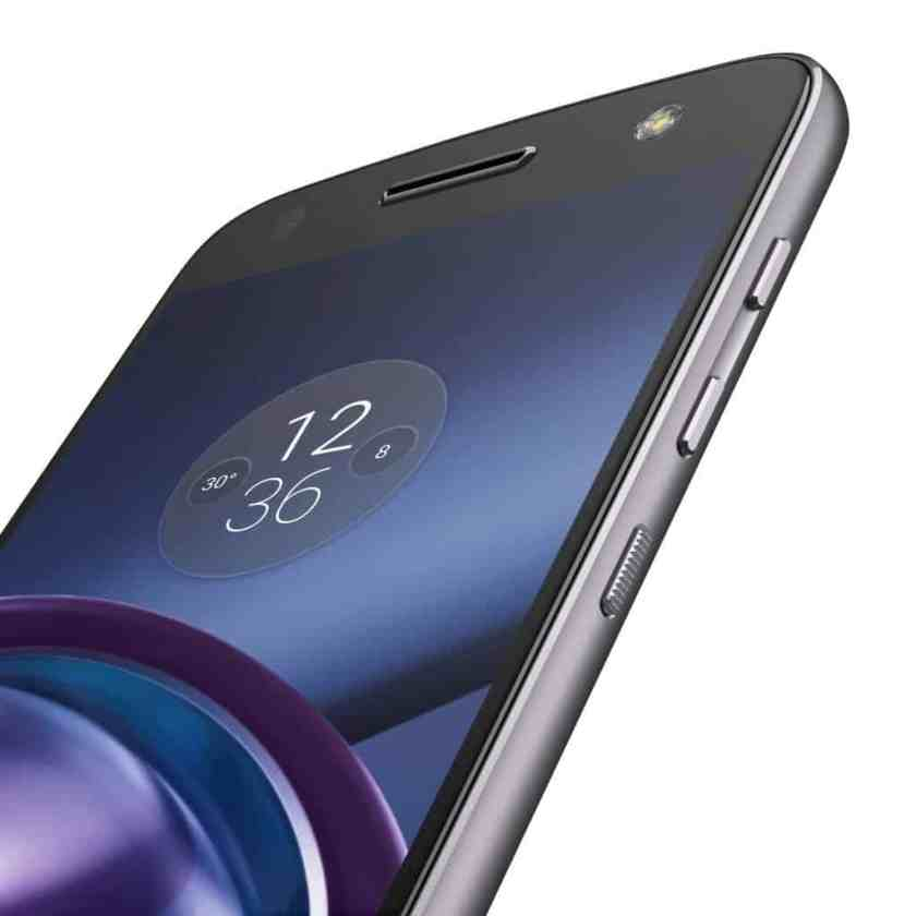 TELUS x The Lenovo Moto Z — Moto Z Three-Quarters Angle