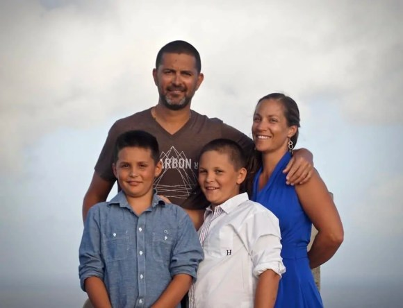 Casey Palmer Presents - An Evening with Yannick — Yannick and Family Standing