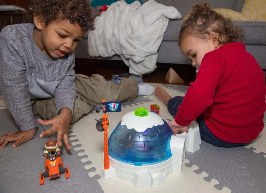Getting Boredom in Order with the PLAYMOBIL Arctic Expedition Headquarters! — The Boys Exploring the Headquarters