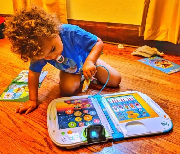 Get Your Kids' Brains to Connect with LeapFrog and VTech!—The Youngest Playing with the LeapFrog LeapStart 3D