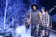 Moncler+Gamme+Bleu+Runway+Milan+Fashion+Week+lg3SXYcTSAbx