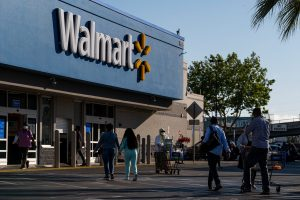 106908933 1625848381201 gettyimages 1232948230 WALMART EARNS scaled