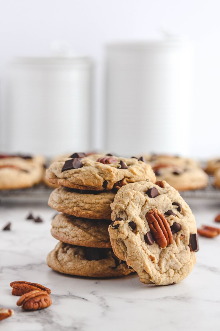 Dark Chocolate Pecan Cookies - Cashmere & Cocktails