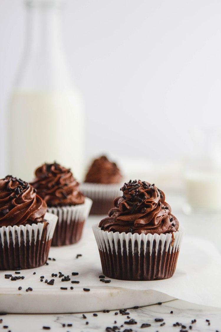 Dark Chocolate Cupcake Recipe - Cashmere & Cocktails
