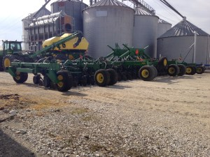 The JD air drill arrived at home today.  This machine plants 60 10-inch (25 cm) rows with each pass.  That's 50 feet!  (12.8m)