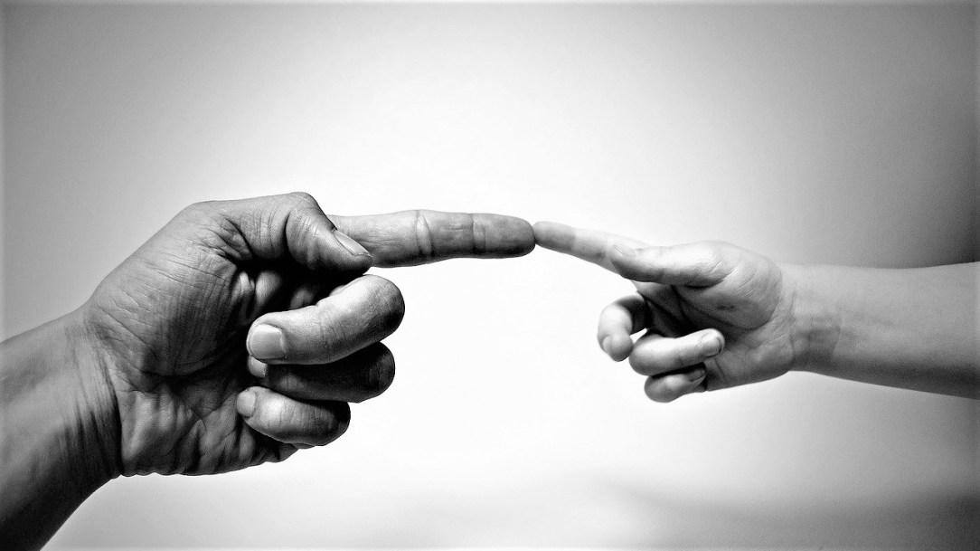Las manos de Dios_ Casi literal