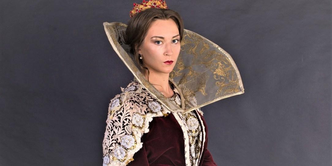 El traje de la reina y Centroamérica_ Casi literal