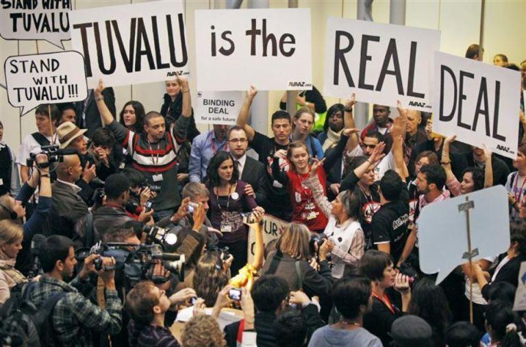 LUTTES POUR LE VIVANT Tuvaluprotest