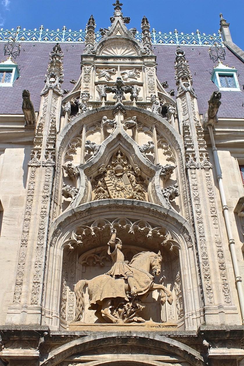 Herzogspalast Reiterstatue