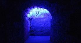 Energetische Konstruktionen verhieß die Laserinstallation in den Gängen der Kaisertherme. (© casowi)