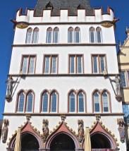 Die Steipe, ein wiedererrichtetes Bürgerhaus. (© casowi)