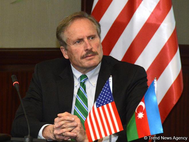 США поддерживают строительство новых трубопроводов из Каспия в Европу