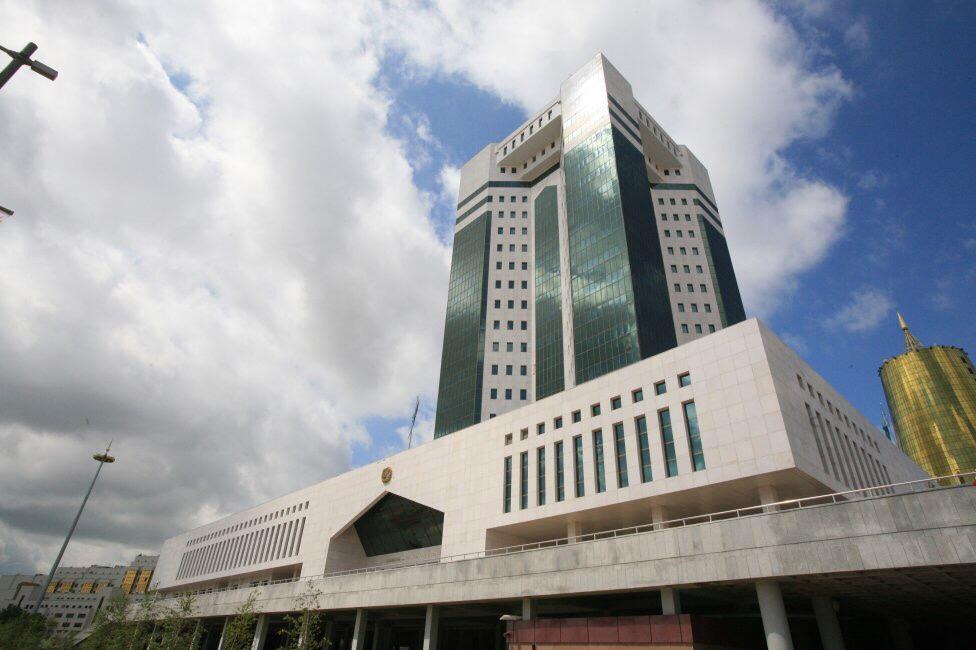 О месте Каспийского региона в казахстанской экономике рассказали в Парламенте РК