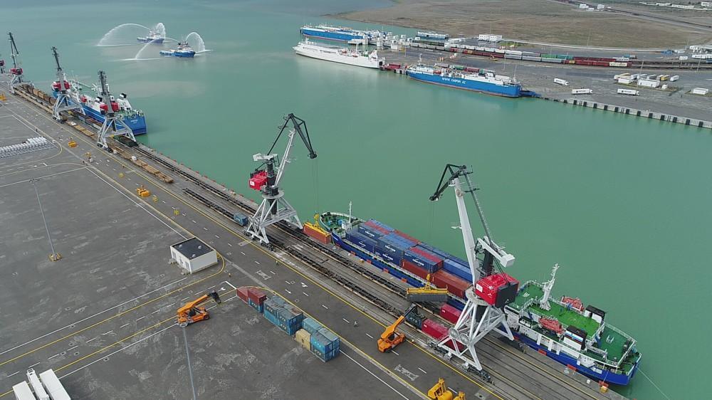 Казахстан увеличил транзит грузов через Каспийское море