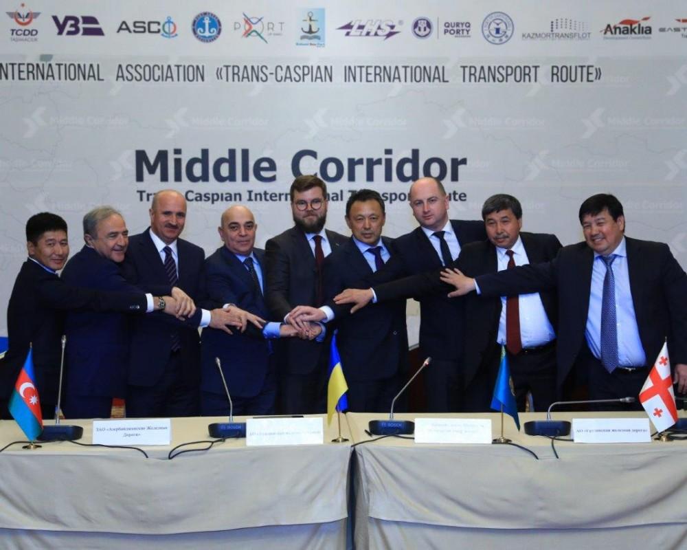 В Киеве и Бишкеке обсудили Транскаспийский транспортный коридор