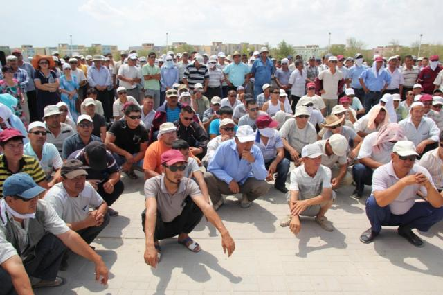 В Мангистауской области проходит забастовка сотрудников казахстанско-китайской компании