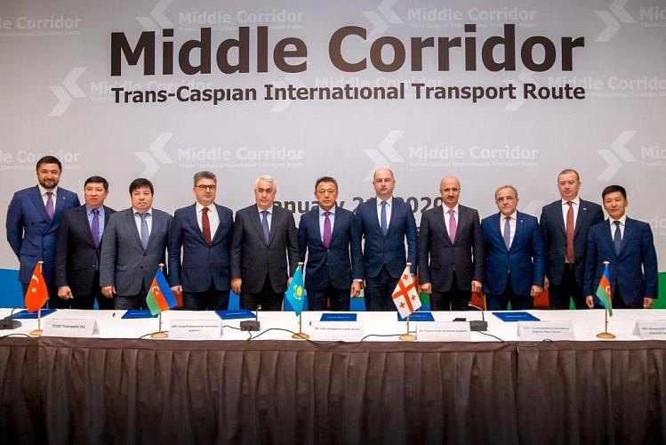 По Транскаспйискому маршруту в 2019 году достигнут исторический рекорд в контейнерных перевозках