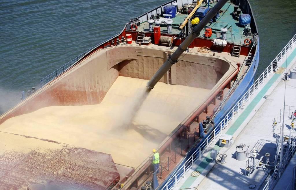 В январе из Волгограда в Иран впервые морем направлена партия зерна