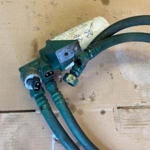 Support filtre à huile KAD42P Volvo Penta pièce détachée