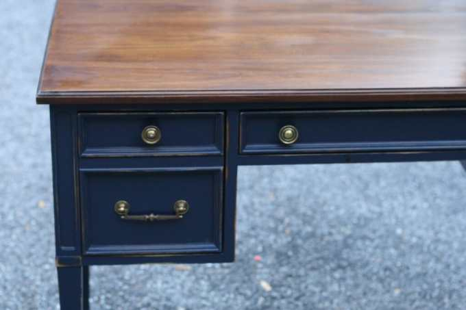coastal blue desk- java gel top
