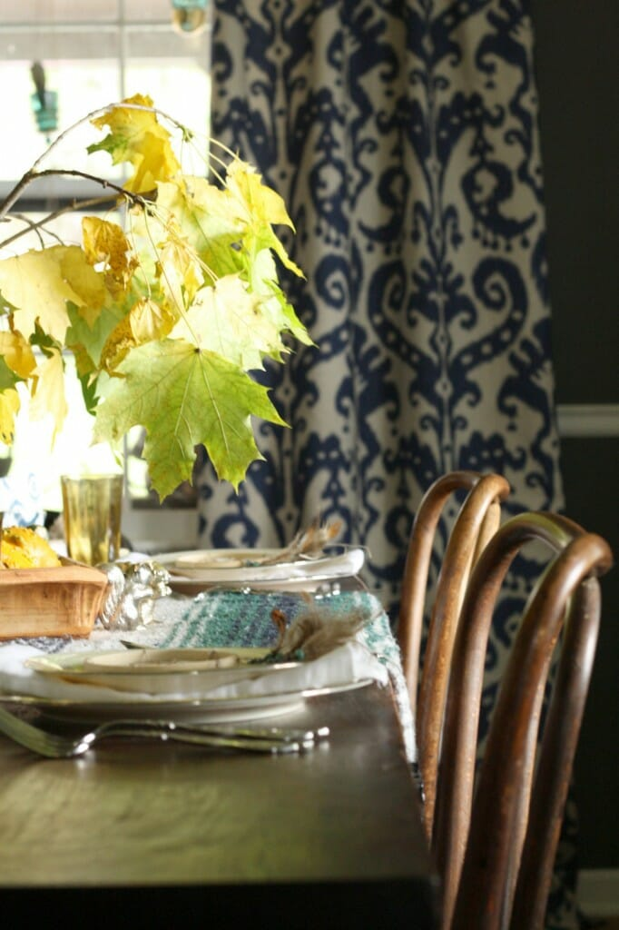 thanksgiving table with natural touches, bohemian